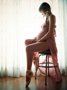 beautiful pregnancy photo @Paige Tribble we must do dancey pregnancy photos