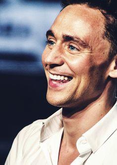 Tom Hiddleston, the bluest eyes, the biggest smile :)