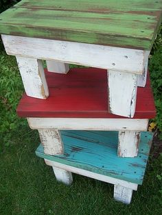 Cute little benches from scrap wood. These would be so cute for each of my kids in a different color