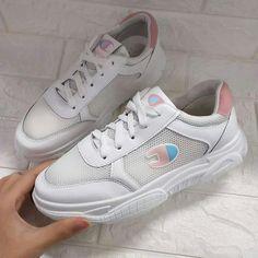 Korean Shoes, Facebook, Sneakers, Fashion, Tennis, Moda, Slippers, La Mode, Sneaker