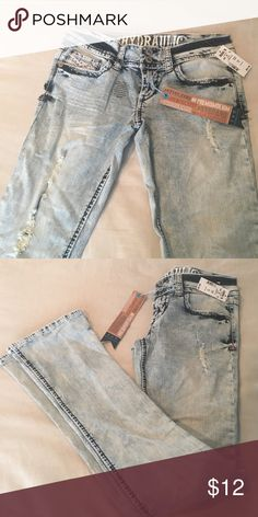 Hydraulic Jeans NWT Hydraulic Bailey low rise, micro boot jeans New with tags! Size 7/8 Run a little small. Hydraulic Jeans Boot Cut
