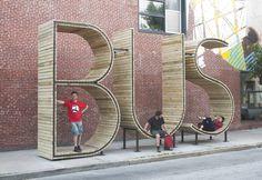 Intervención Urbana: BUS Stop, escultura que funciona como parada de autobús