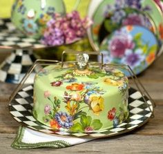 MacKenzie-Childs Flower Market Cake Carrier $160