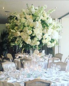 Fabulous centerpiece by @redfloral #meijerroses #redfloral #luxuryroses #avalanche #weddingidea #weddingginspiration #bridetobe