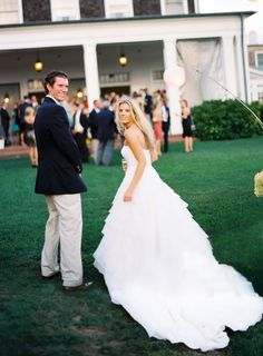 Preppy Southampton Wedding | http://classicbrideblog.com/2014/06/deliciously-preppy-southampton-wedding-by-patricia-kantzos.html/