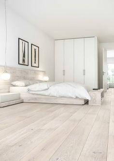 Senses: parquets fuera de lo común por dimensiones, colores y acabados White Floorboards, White Washed Floors, Oak Bedroom, Modern Bedroom, Bedroom Decor, Minimalist Interior, Minimalist Home, Engineered Wood Floors, Bedroom Flooring