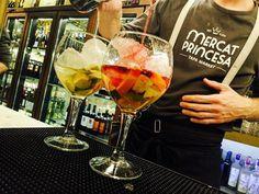 """87 Me gusta, 1 comentarios - Mercat Princesa (@mercatprincesa) en Instagram: """"Where's the #party? 💃🏼🍷 At @mercatprincesa . #food #foodporn #yum #instafood #Barcelona #yummy…"""""""