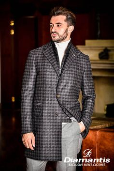 Diamantis Γαμπριάτικο Κοστούμι Ν. Θεσσαλονίκης www.gamosorganosi.gr Luxury Sale, Luxury Fashion, Mens Fashion, Tailored Suits, European Fashion, Signature Style, Mens Suits, Gentleman, Suit Jacket