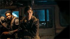 The door just starts closing after it probably got thrown open and Newt's(Thomas Brodie-Sangster)is just smiling Maze Runner Thomas, Maze Runner Cast, Maze Runner Movie, Maze Runner Series, Teen Wolf, Hush Hush, Movie Memes, Music Humor, Thomas Brodie Sangster