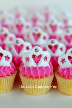 nice. Tiara Mini Cupcakes | Flickr - Photo Sharing!