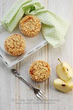 Apple Crumble Muffins ~ Spoons 'n' Spades