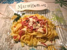 Pâtes au chèvre, thym et lardons : Recette de Pâtes au chèvre, thym et lardons - Marmiton