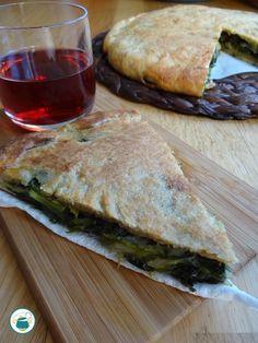 Focaccia integrale ripiena di scarola e olive