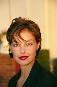 Image detail for -Ashley Judd photo 2 HQ UHQ photos, scans. Ashley Judd, Divas, Actrices Hollywood, Celebrity Portraits, Celebrity Hairstyles, Famous Faces, Woman Face, Beautiful Actresses, Most Beautiful Women