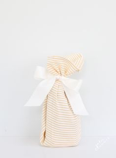Easy hostess gift ideas wrapped within themselves