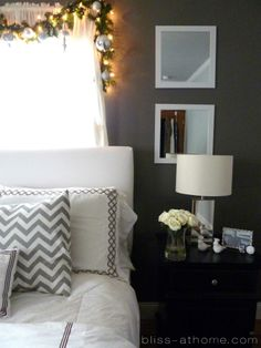 Holiday Bedroom Decor, like this but would do a design for all year round Home Bedroom, Bedroom Decor, Bedroom Ideas, Room Photo, Chevron Gris, Home Decor Inspiration, Decor Ideas, Decorating Ideas, Holiday Decorating