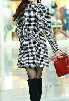 Plaid is heat of this coat. Long sleeve, double breast. With a sash, you could tie a bowknot to make you more elegant. Button, it is a stand collar coat, unbutton, it is a lapel coat. Which style do you like?