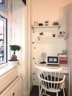 Ma little corner : Cozy Bedroom Wall Colors, Room Ideas Bedroom, Small Room Bedroom, Bedroom Decor, Home Office Space, Home Office Design, Home Office Decor, Home Decor, Little Corner