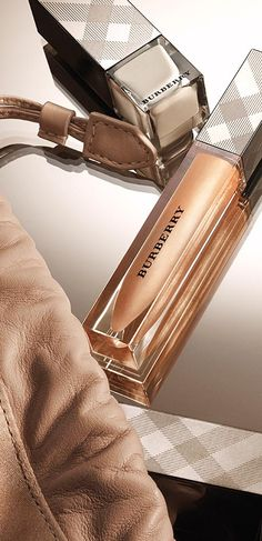 Experience Body - glowing skin with eyes and lips in nude and trench tones at The Burberry Beauty Box store in London <3