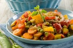 You will only need a few ingredients to put together this wonderful stew! The carrots, bell peppers and onions make the hearty meal worthwhile. Sweets Recipes, Cooking Recipes, Healthy Recipes, Healthy Food, Romanian Food, Romanian Recipes, Recipe Creator, Food Network Recipes, Stew