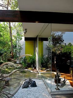 Perkins House Raymond Neutra - with a nice article on Neutra and his partner RObert Alexander