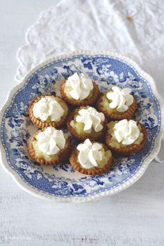 Apple creams zijn mini appeltaartjes volgens Engels recept. Makkelijk te maken en uit de hand te eten. Ideaal voor kinderfeestjes en high teas.