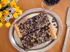Czech Blueberry Yeast Cake | Maminčin kynutý borůvkový koláč s máslovou drobenkou - www.vune-vanilky.cz
