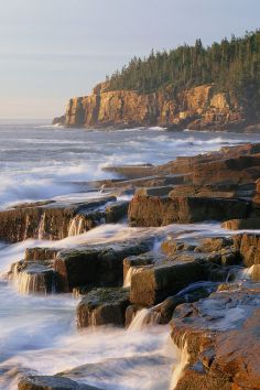 One of our most beautiful National Parks in the country is located in MAINE, Acadia National Park, you been there yet? If you love camping or RVing with the family, this is a must visit. and make sure you book one of the top Campgrounds or RV Parks! Dream Vacations, Vacation Spots, Dream Trips, Arcadia National Park, Places To Travel, Places To See, Travel Destinations, Seen, Photos Voyages