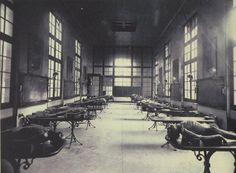 ca. 1890, [Dissection room at a medical school in Bordeaux, France]    via A Morning's Work: Medical Photographs from the Burns Archive, Stanley B. Burns