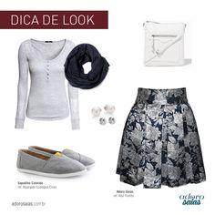 """Look confortável com tons de cinza. Alpargata e saia godê. Modelo da saia: """"Azul Floral"""""""
