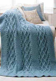 Голубой ажурный плед с косами, связанный спицами - фото