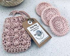 Crochet Spa Set in mind and cream This handmade spa treat set is a perfect gift idea or beautiful addition to your bathroom. Cotton Crochet, Knit Or Crochet, Crochet Kits, Crochet Scrubbies, Beginner Crochet Projects, Organic Cotton Yarn, Makeup Remover Pads, Loom Knitting, Yarn Crafts