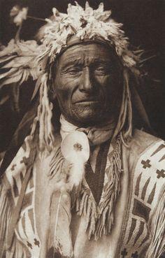 Long Fox - Assiniboin  (The North American Indian, v. III. Cambridge, MA: The University Press, 1908)