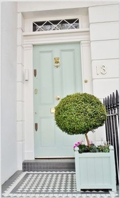 Front Door Paint Colors - Want a quick makeover? Paint your front door a different color. Here a pretty front door color ideas to improve your home's curb appeal and add more style! Aqua Front Doors, Front Door Colors, The Doors, Green Doors, Dark Doors, Front Door Decor, Exterior Design, Interior And Exterior, Interior Trim