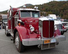 old chevy trucks Old Mack Trucks, Custom Chevy Trucks, Big Rig Trucks, Gmc Trucks, Pickup Trucks, Antique Trucks, Vintage Trucks, Semi Trailer Truck, Freight Truck