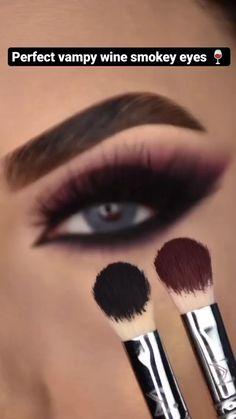Smoke Eye Makeup, Eyebrow Makeup Tips, Makeup Tutorial Eyeliner, Eye Makeup Steps, Makeup Eye Looks, Eye Makeup Art, Skin Makeup, Smokey Eye Tutorial, Black Eye Makeup