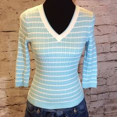 PRETTY SPRING SWEATER BY JEANNE PIERRE Pretty blue and white 3/4 sleeve sweater in gently used condition Jeanne Pierre Sweaters V-Necks