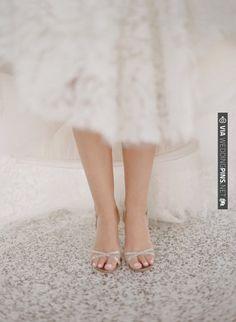 a simple, elegant heeled sandal by  Photography by Aaron Delesie Photographer /   VIA #WEDDINGPINS.NET