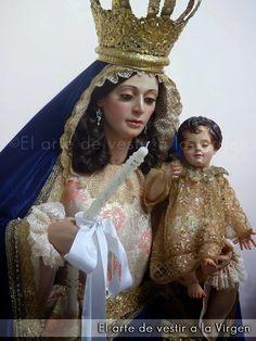 El arte de vestir a la Virgen