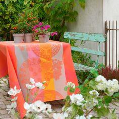 Nappe enduite Fleurs gourmandes pêche - 100% coton enduit, antitache #orange #floral #fleurs #floral