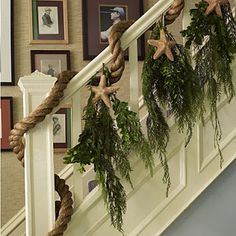 COASTAL HOLIDAY Learn how to make this coastal rigging rope and starfish banister garland. Christmas Hallway, Christmas Stairs Decorations, Coastal Christmas Decor, Nautical Christmas, Christmas Porch, Noel Christmas, Beach Decorations, Christmas Ideas, Holiday Decorations