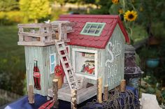 Andrea found this great diorama of a seafood shack and grocery. The details are amazing. Inside there is butter, cheese, and fresh fish!