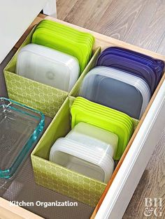 45 New Ideas for apartment kitchen renovation storage Kitchen Storage Hacks, Kitchen Organization Pantry, Diy Storage, Storage Ideas, Organized Pantry, Storage Solutions, Kitchen Pantry, Fabric Storage, Plastic Storage