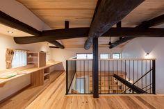 大きな吹抜けで梁が見えるリノベ Japanese Modern, Japanese House, Home Interior Design, Living Spaces, House Plans, House Design, Architecture, Furniture, Home Decor