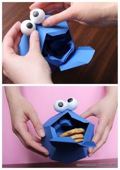 Cookie monster box at La littérature gourmande: recto/verso + DIY