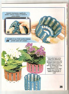 Can Tab Baskets. In Portuguese, but with clear picture instructions.