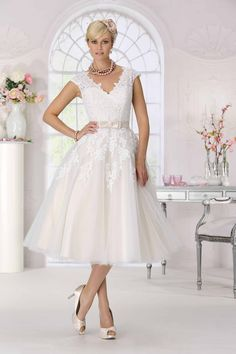Wedding Dress short /  three quarters dress  Très Chic - SN9030