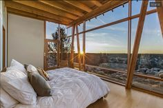 Bedroom with sweeping canyon views. Famous Tree house by architect James Cutler in central Oregon [1024  685] Original link and listing in comments.