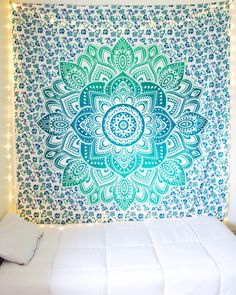 Green bohemian mandala tapestry from the bohemian shop. green bohemian mandala tapestry from the bohemian shop teen bedroom decorations Teen Room Decor, Diy Room Decor, Bedroom Decor, Home Decor, Bedroom Colors, Bedroom Wall, Mandala Tapestry, Wall Tapestry, Mandalas Painting