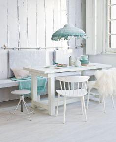 Powdery pastels Styling: Cleo Scheulderman | Fotografie: Jeroen van der Spek #pastels #dining #table